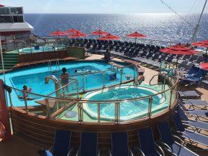 carnival horizon zwembad