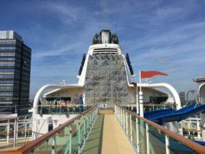 Klimmuur op de Brilliance of the Seas